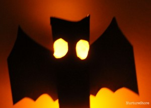 These Glow In The Dark lanterns by NurtureStore make a great Halloween Craft