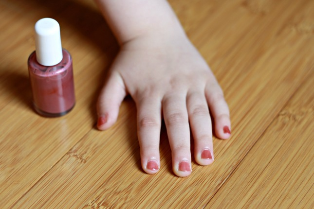 How To Make Natural Nail Polish From Scratch